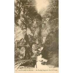 38 ALLEVARD-LES-BAINS. Guide sur Passage dangereux dans les Gorges 1908