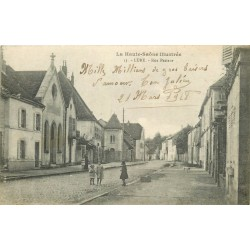 70 LURE. Rue Pasteur animée 1918