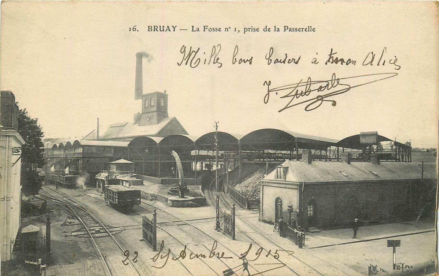 62 BRUAY. Fosse n°1 et les wagonnets de charbon 1915