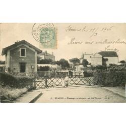 93 STAINS 2 x Cpa Passage à niveau rue du Repos et rue Pierre Aubert 1906-03