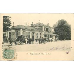 95 ARGENTEUIL. Attelages des Hôtel devant la Gare 1906
