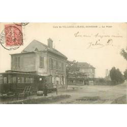 95 VILLIERS-LE-BEL GONESSE. La Place avec employés du Tramway Train 1905