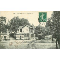 95 MONTMORENCY. L'Orangerie avec passage du Tramway électrique 1908