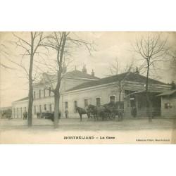 25 MONTBELIARD. Attelages pour Hôtel devant la Gare 1918