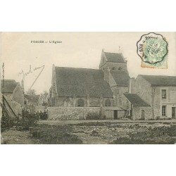 95 FOSSES. Petite animation à côté de l'Eglise 1906