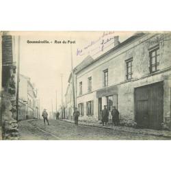 95 GOUSSAINVILLE. Rue du Pont avec Militaires devant Epicerie 1917