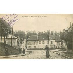 95 GOUSSAINVILLE. Animation rue du Bassin 1917