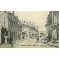 14 LA RIVIERE-SAINT-SAUVEUR. Boucherie sur la Grande Rue