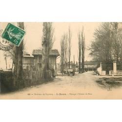 64 LE BOUCAU. Attelage Boeufs au Passage à niveau du Port et Château d'eau 1906