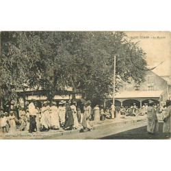 Guadeloupe. BASSE-TERRE. Le Marché grosse animation 1908