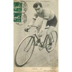 Sports Cyclisme. LAPIZE les champions du pneu Hutchinson 1913