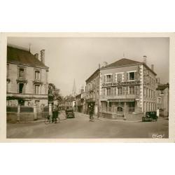86 MONTMORILLON. Sous-Préfecture Boulevard de Strasbourg. Café du Commerce