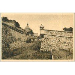 carte postale ancienne 66 MONT-LOUIS. Fossés Entrée de la Citadelle