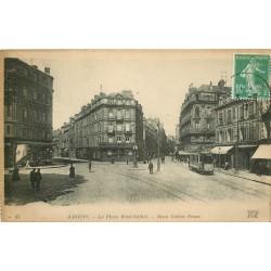 80 AMIENS. Place René Goblet tramway et banque Crédit du Nord 1922
