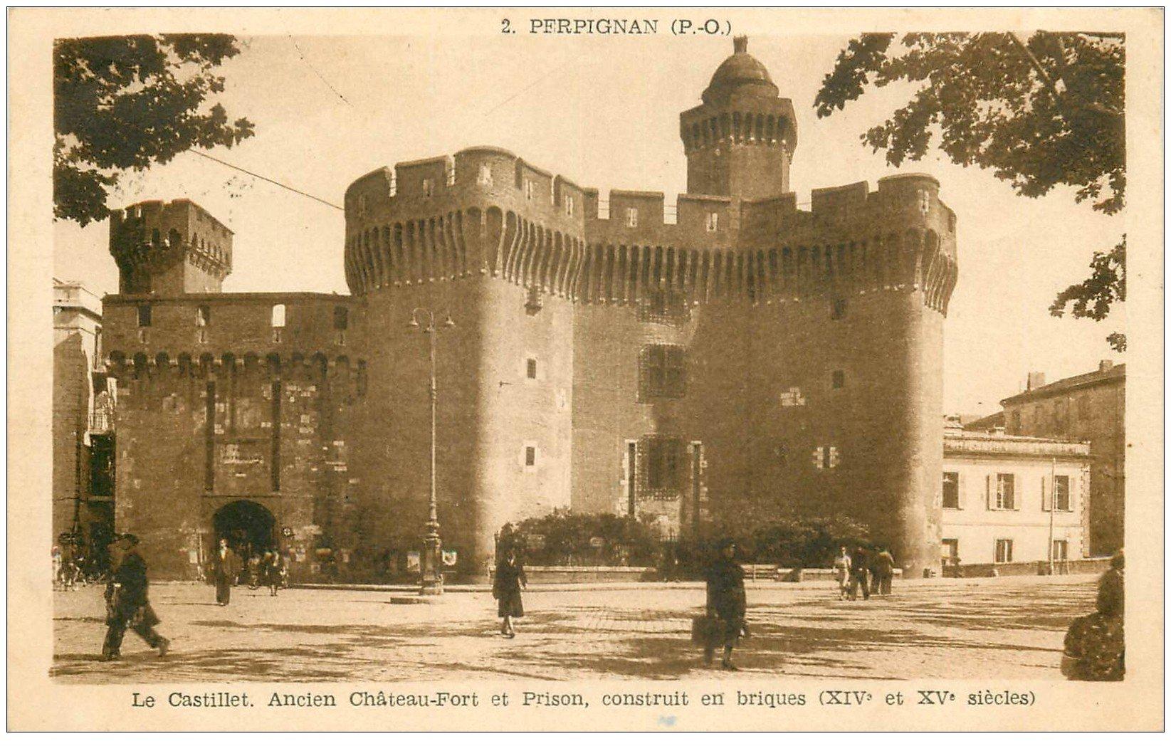 carte postale ancienne 66 PERPIGNAN. Ancien Château-Fort et Prison en briques 1945
