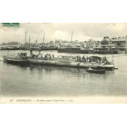 50 CHERBOURG. Torpilleur dans l'Avant Port 1908