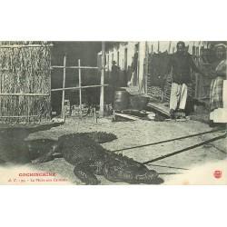 Cochinchine Viêt-Nam. La Pêche aux Caïmans crocodiles