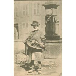 63 TYPES D'AUVERGNE. Un Vielleux vers 1900...