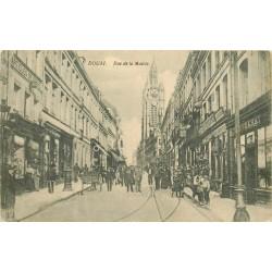 59 DOUAI. Rue de la Mairie grosse animation 1915