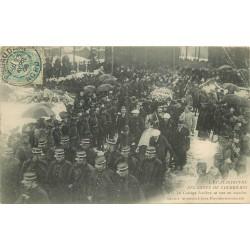 62 COURRIERES. Catastrophe des Mines cortège funèbre en marche 1906