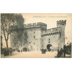 carte postale ancienne 66 PERPIGNAN. Porte Notre-Dame et Castillet. Foyer de Soldat