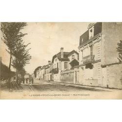 86 LA ROCHE-POSAY-LES-BAINS. Rue principale