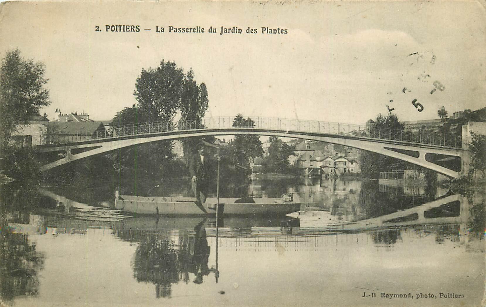 86 POITIERS. Passerelle du Jardin des Plantes avec Passeur en barge