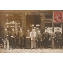 93 MONTREUIL SOUS BOIS. Rare Photo carte postale d'un Bar Café 1907