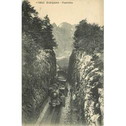 Suisse BRÜNIGBAHN Passhöhe Train et employé à l'arrêt vers 1920