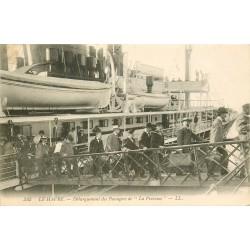 """76 LE HAVRE. Débarquement des Passagers de """" La Provence """" 1909"""