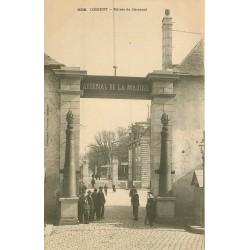56 LORIENT. Marins à l'Entrée de l'Arsenal de la Marine vers 1900