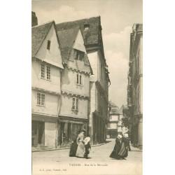 56 VANNES. Débit de boissons rue de la Monnaie vers 1900