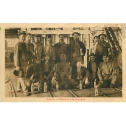 59 DENAIN. Mineurs à la remonte de la Fosse 1931