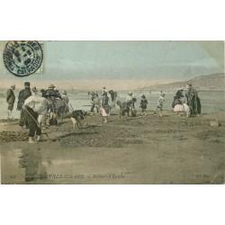 14 TROUVILLE-SUR-MER. Pêcheurs d'Equilles 1908