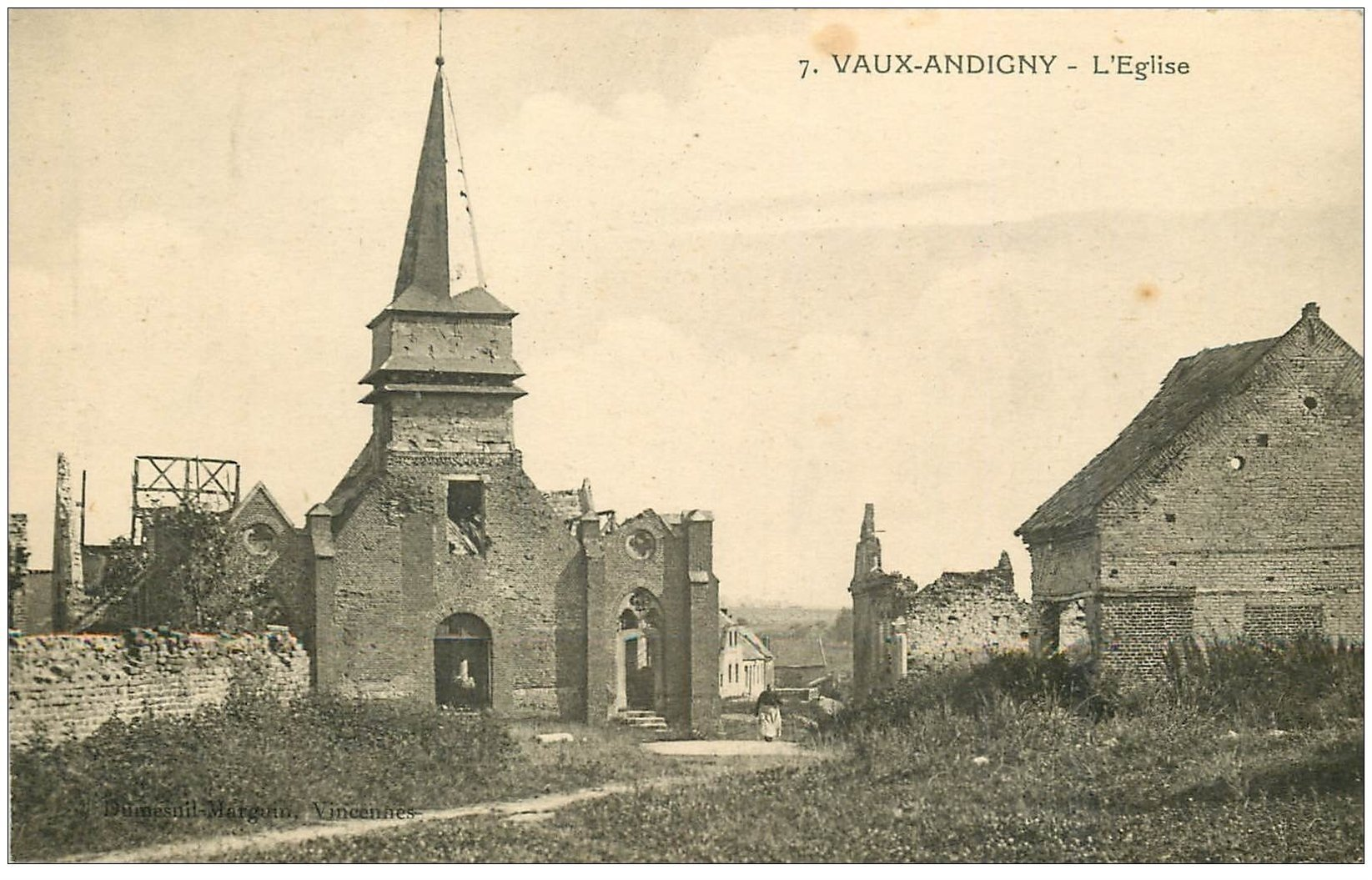 carte postale ancienne 02 VAUX-ANDIGNY. L'Eglise 1922