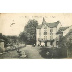 81 MOULARES. Square de l'Eglise animation 1915
