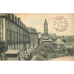 12 DECAZEVILLE. Ecole Sainte-Foy nombreuses écolières 1910