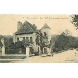 64 GAN. Maison Jeanne d'Albret avec Café Restaurant animé