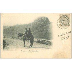 carte postale ancienne 63 AUVERGNE. Auvergnats allant à la Ville 1903. Verso vierge...