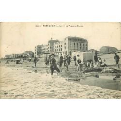 44 PORNICHET. Jeux de sable sur la Plage du Casino 1910