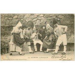 carte postale ancienne 63 AUVERGNE. La Montagnarde. Danse et Musicien 1904