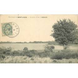03 MONTLUCON. La prise d'eau à Sceaux avec personnage 1908