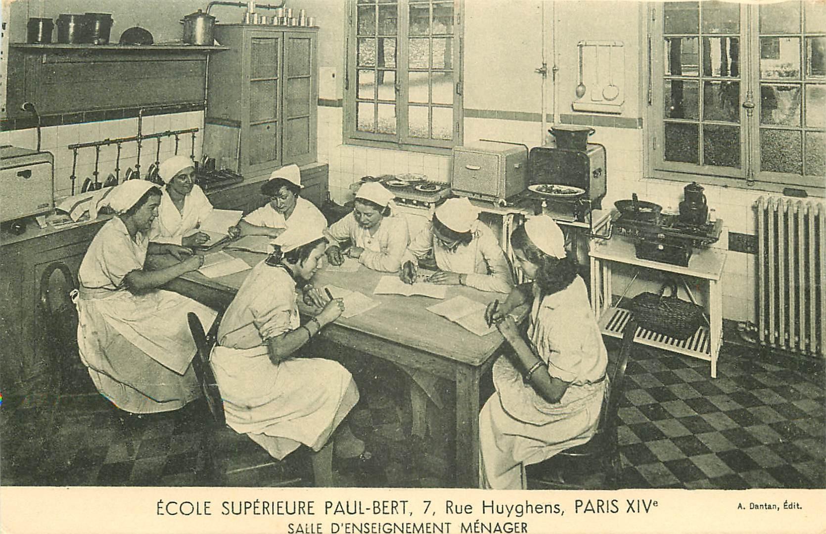PARIS 14. Ecole Supérieure Paul-Bert 7 rue Huyghens. Salle d'Enseignement ménager