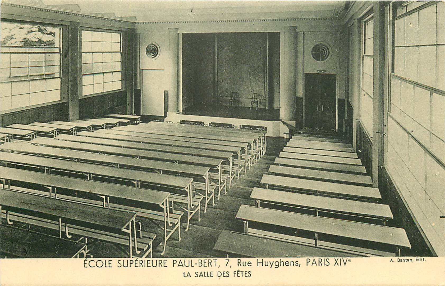 PARIS 14. Ecole Supérieure Paul-Bert 7 rue Huyghens. La Salle des Fêtes