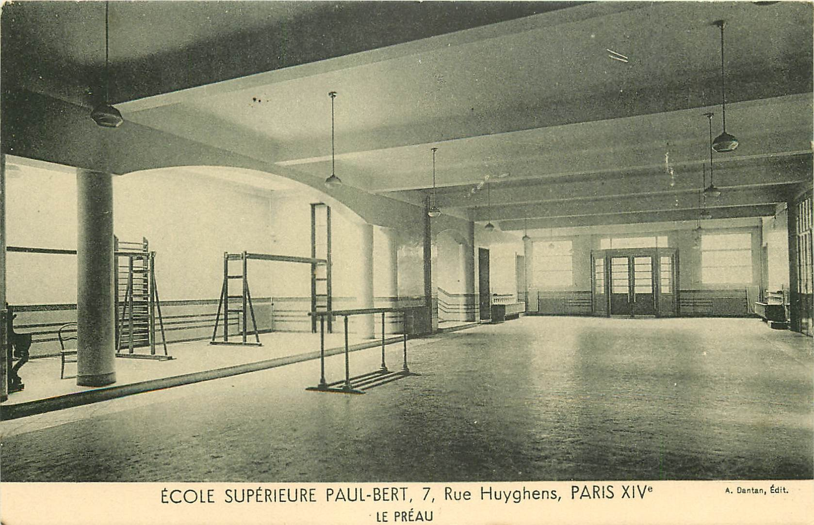 PARIS 14. Ecole Supérieure Paul-Bert 7 rue Huyghens. Le Préau