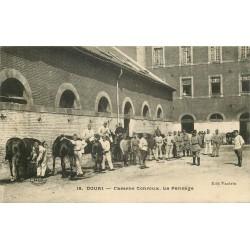 59 DOUAI. Le Pansage Caserne Conroux 1930