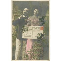 Couple d'Amoureux Mille Baisers en forme de grande carte postale 1907