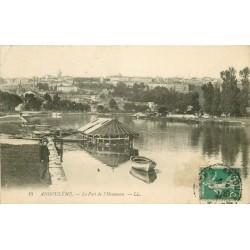 16 ANGOULÊME. Le Port de l'Houmeau avec bateau-lavoir 1911