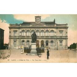 2 x cpa 02 LAON. Hôtel de Ville et Cathédrale 1919