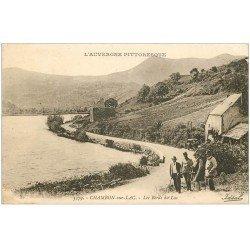 carte postale ancienne 63 CHAMBON-SUR-LAC. Animation avec Garde Champêtre 1925